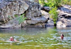 Baignade en rivière à la Mine d'or